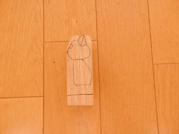 ネコ(木彫り、断念).jpg