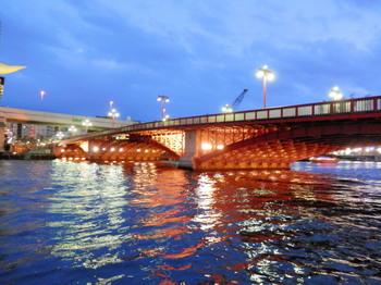 吾妻橋(夜桜船から).jpg