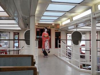 夜桜船(舞妓さん).jpg