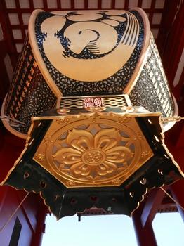 宝蔵門(提灯の隣).JPG