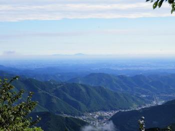 御岳平展望台から(筑波山を望む).jpg