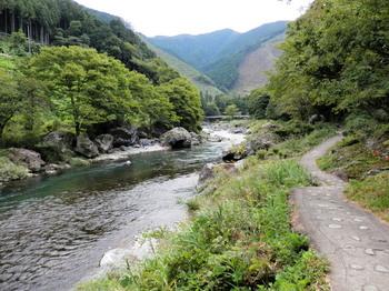 御岳渓谷2.jpg