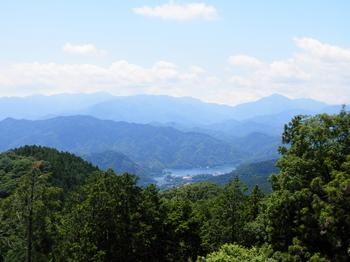 相模湖(景信山から).JPG