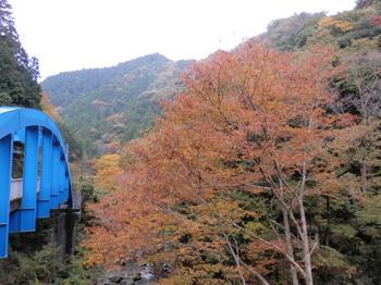 神戸岩入口バス停付近.jpg