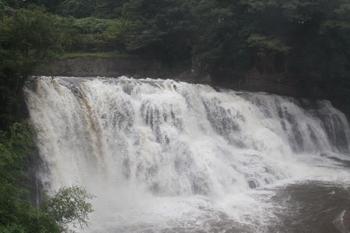 龍門の滝2.JPG