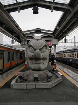 JR高尾駅ホーム.jpg